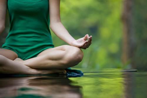 beneficios fisicos del yoga